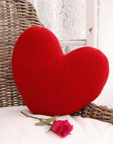 подушка сердце крючком описание вязания