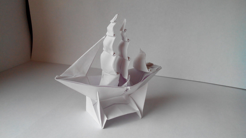 Корабль из бумаги. Необычный подарок
