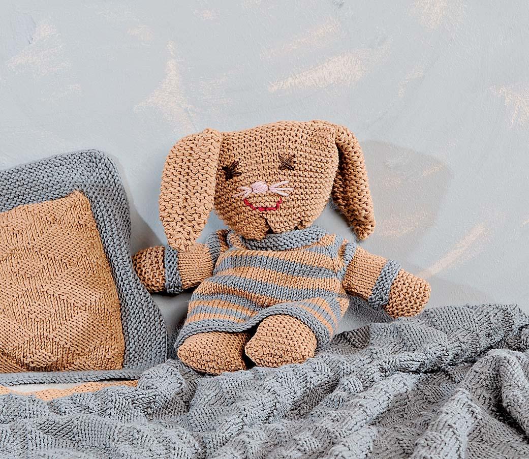 Игрушка-подушка кролик спицами