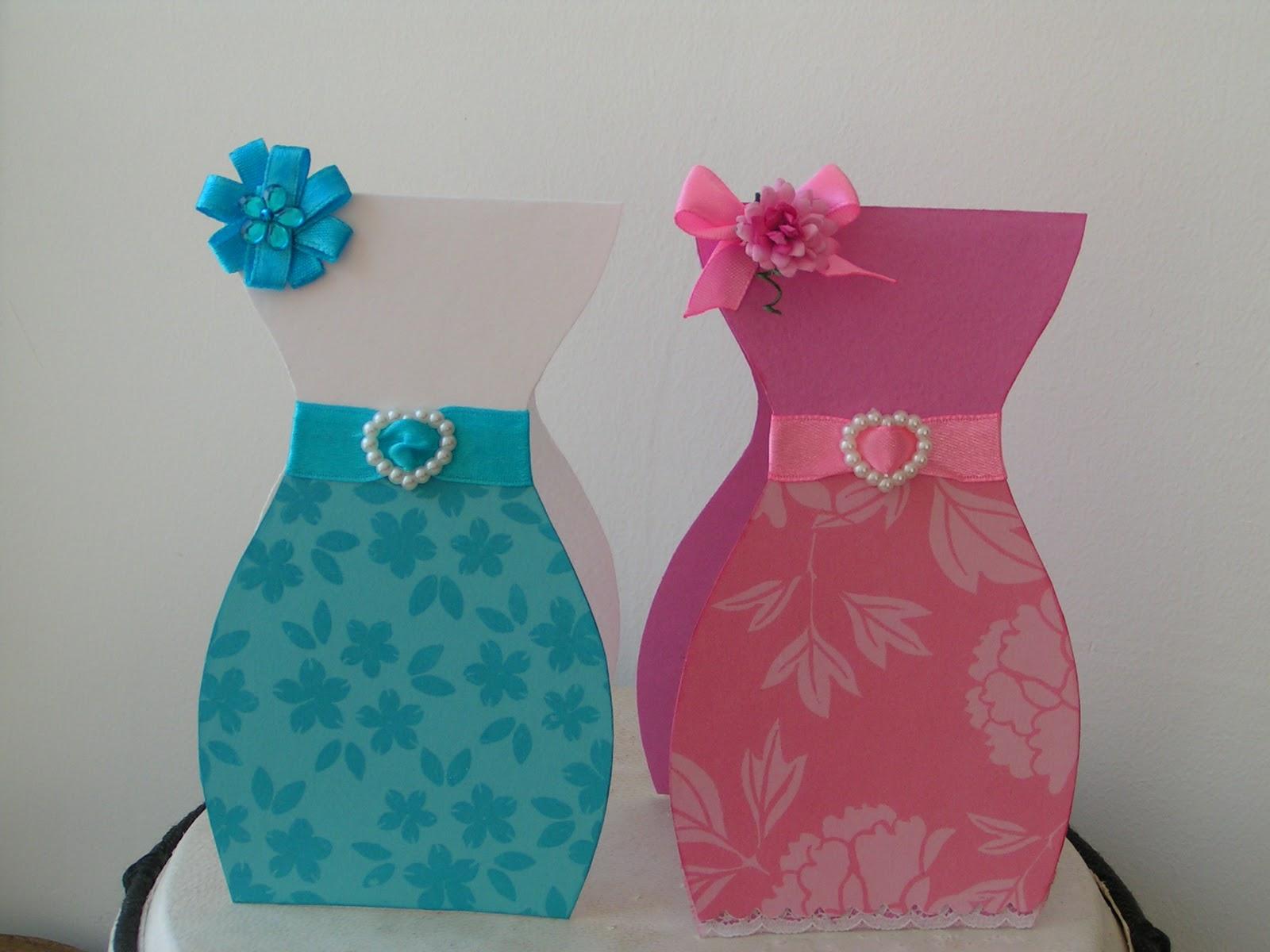 Открытки для мамы платье
