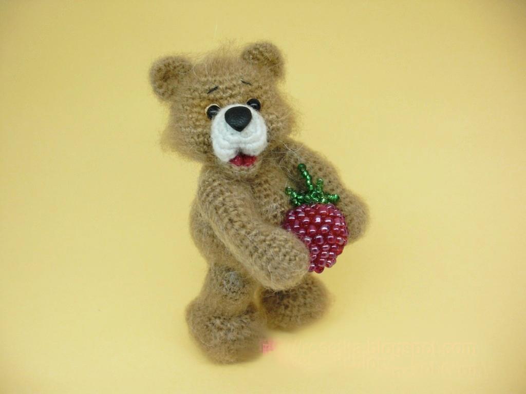 Вяжем крючком миниатюрного медвежонка