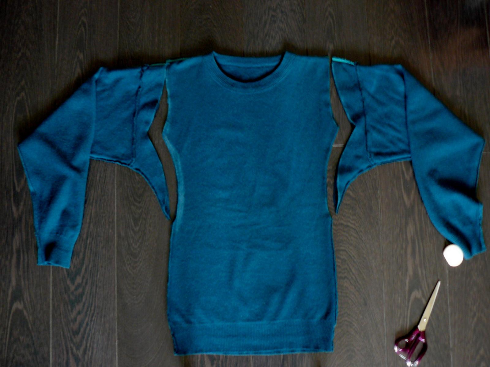 Как сделать платье из свитеров