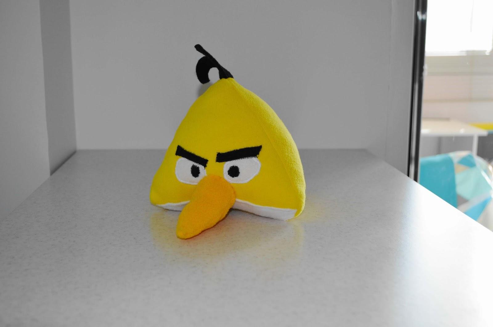 Angry bird. Шьем желтую птичку