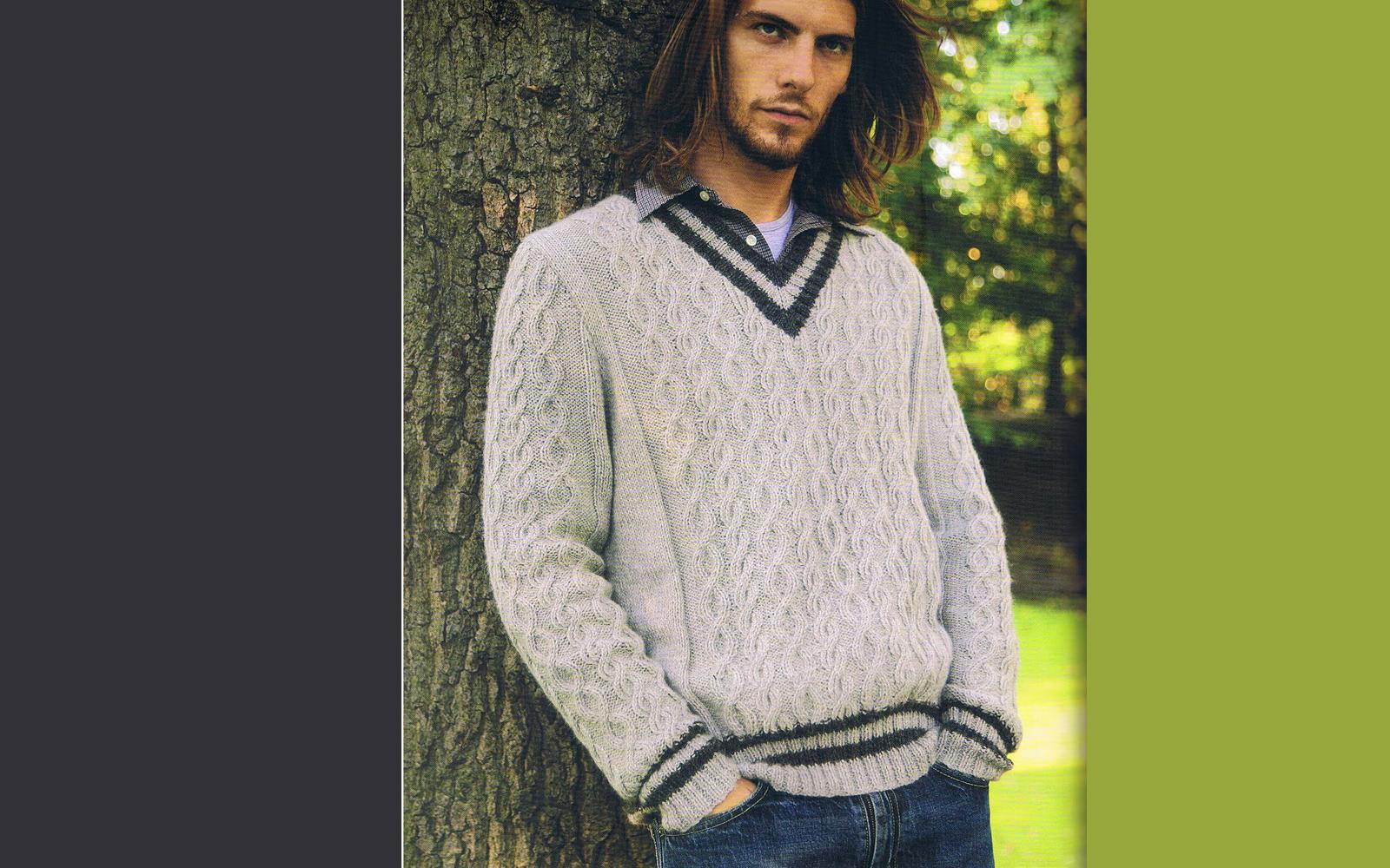 Стильный мужской пуловер спицами с V-вырезом