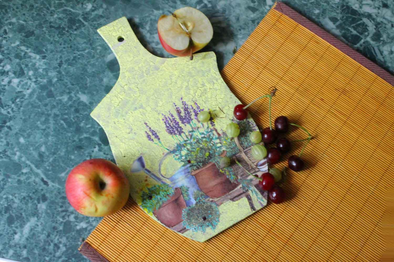 Декупаж -веточки лаванды на кухонном стуле