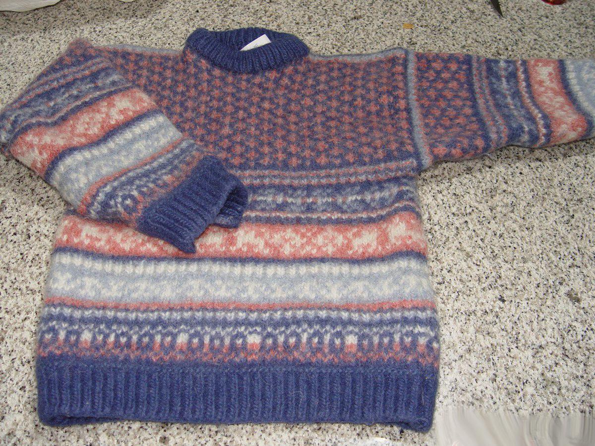 Клатч из старого свитера