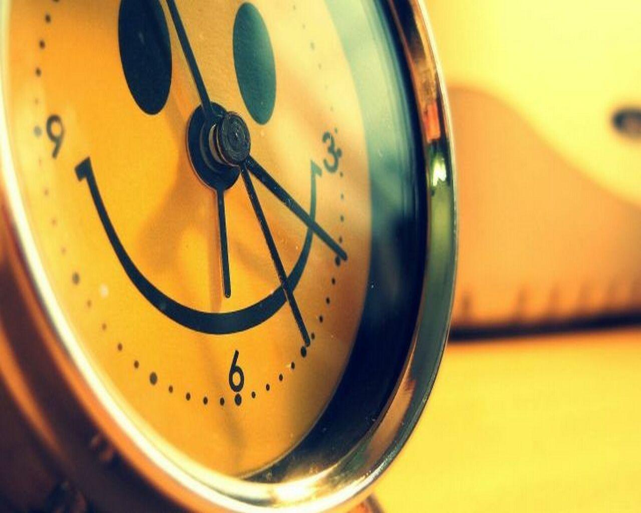Веселые часы с расписанием своими руками