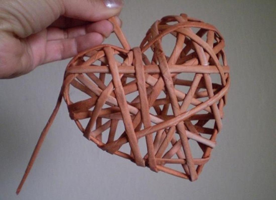 Плетение из газет. Винтажное сердце