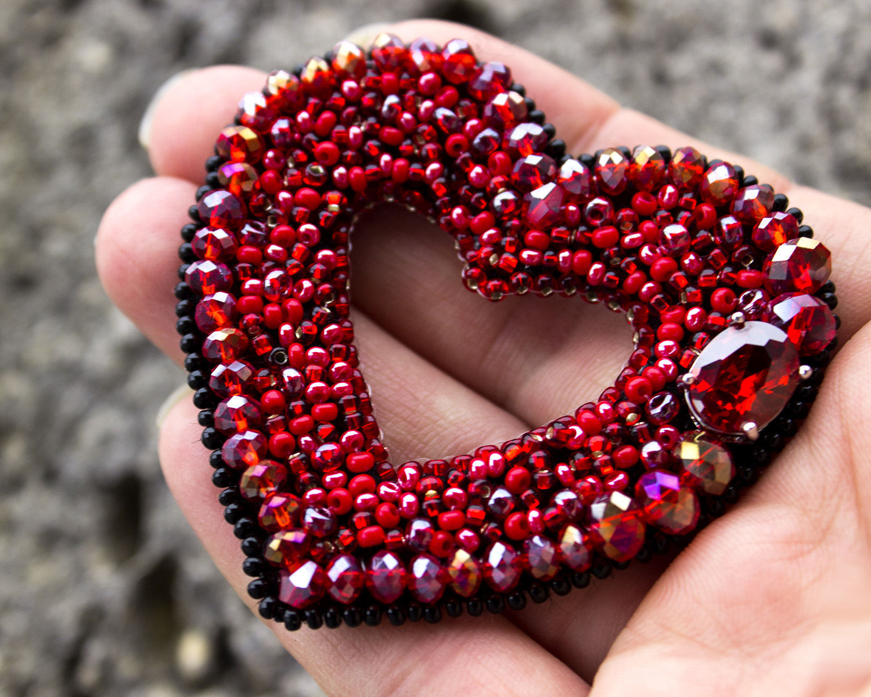 Брошь из бисера Сердце