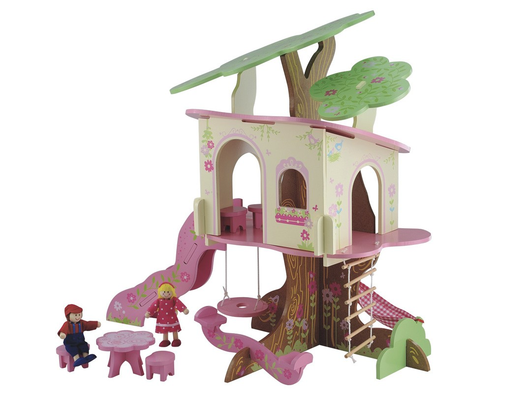 Домик для куклы на дереве