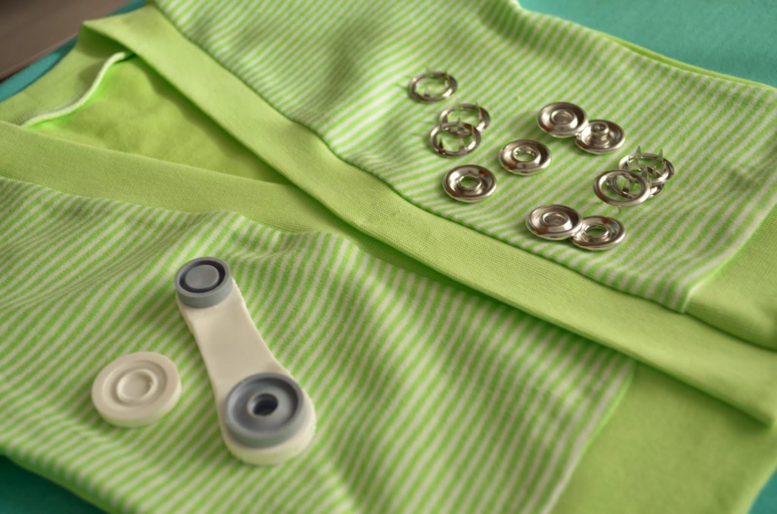 Как вставить кнопки в одежду