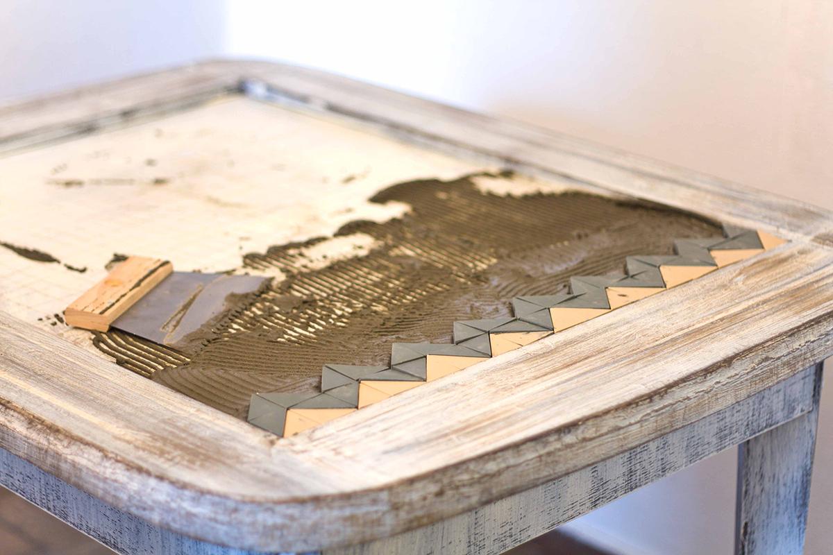 Как отреставрировать стол мозаикой