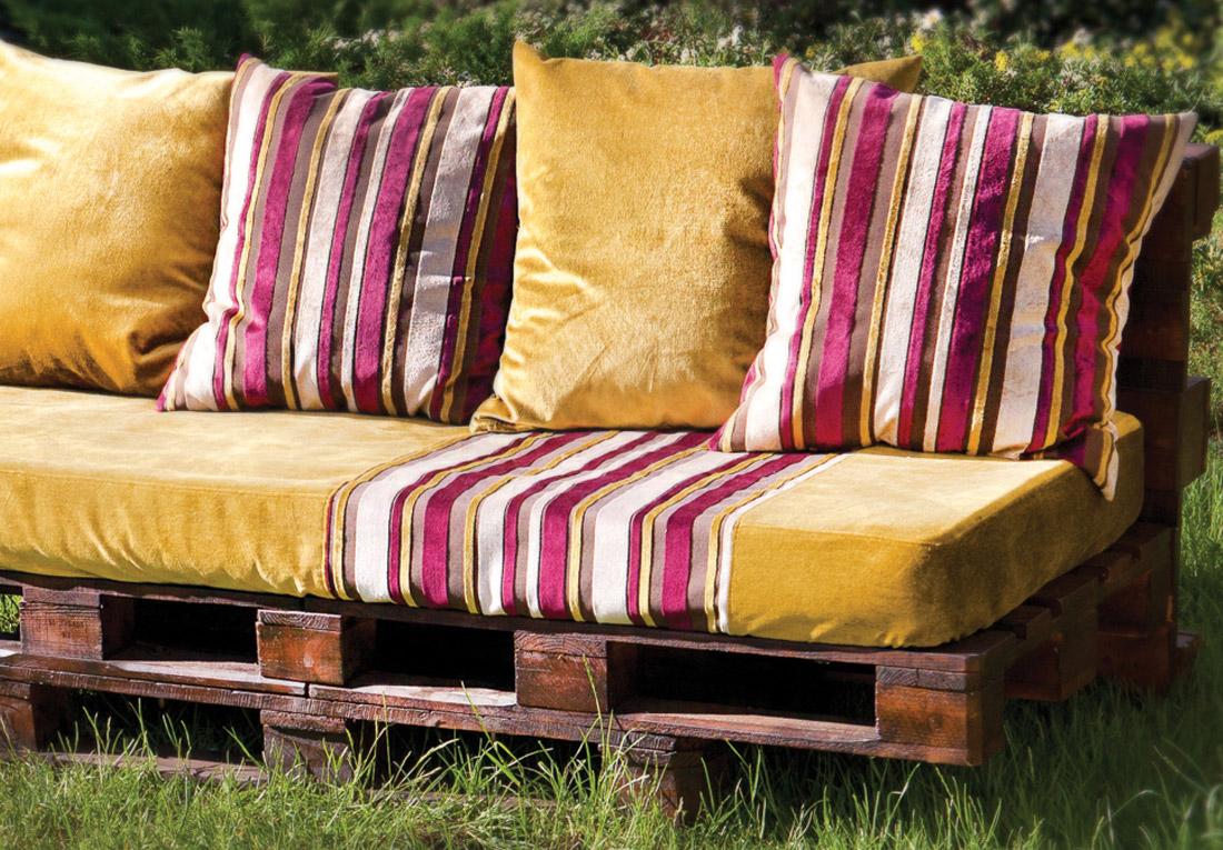 Скамейка-диван из паллет