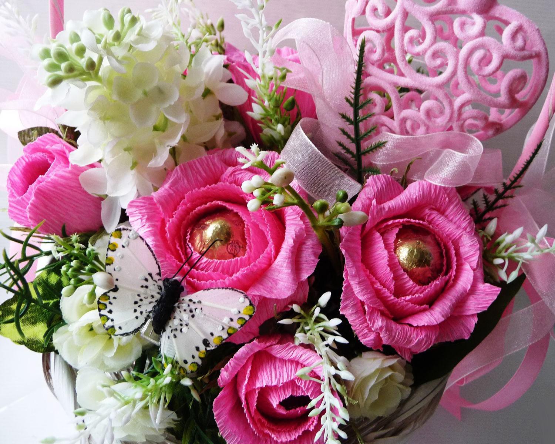 Букет из конфет с розами