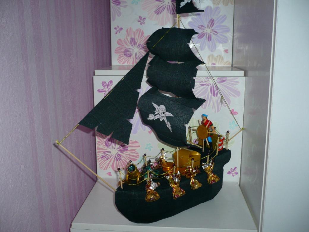 Как сделать пиратский корабль своими руками из бумаги и пенопласта