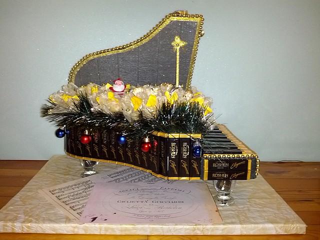 Новогодний сладкий рояль
