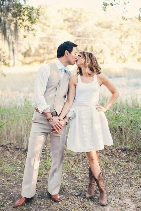 Жених и невеста, в нарядах бохо