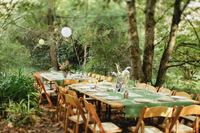 Сервировка стола для свадьбы в рустикальном стиле