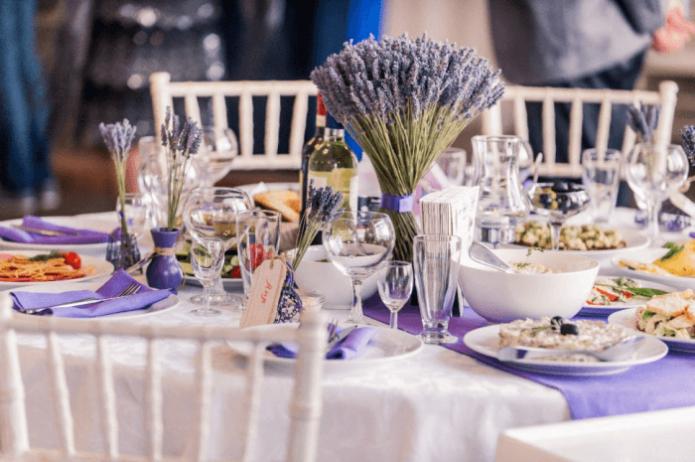 Сервировка стола на свадьбу в стиле Прованс