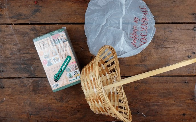 Корзина, пакет и флористическая губка