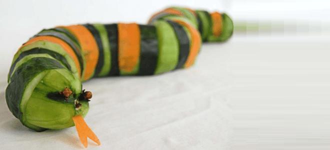 Змейка из огурцов и моркови