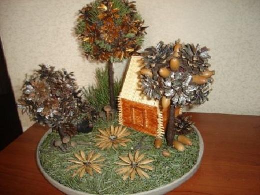 Осенняя композиция из шишек