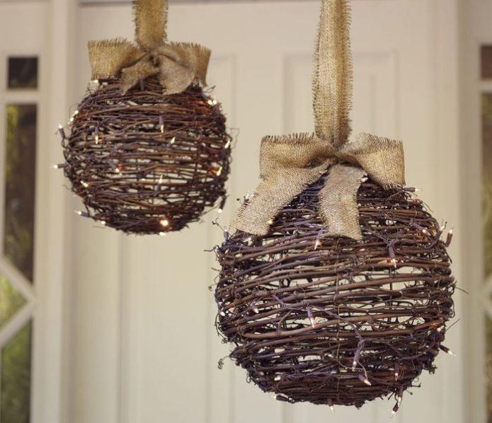 Декоративные шары из веток