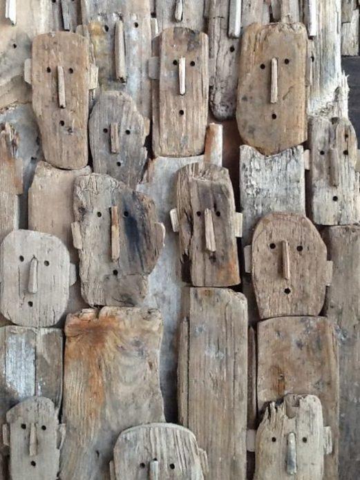 Оригинальное панно из деревянных коряг