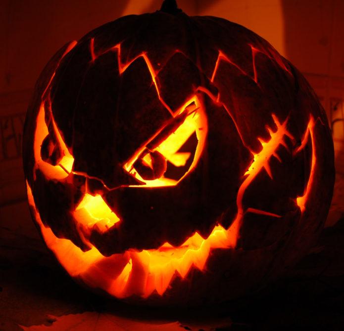 Фонарь из тыквы к Хэллоуину