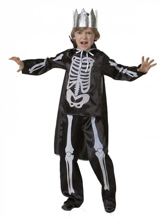 Мальчик в костюме Кощея Бессмертного на Хэллоуин