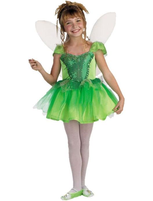 Девочка в костюме феи на Хэллоуин