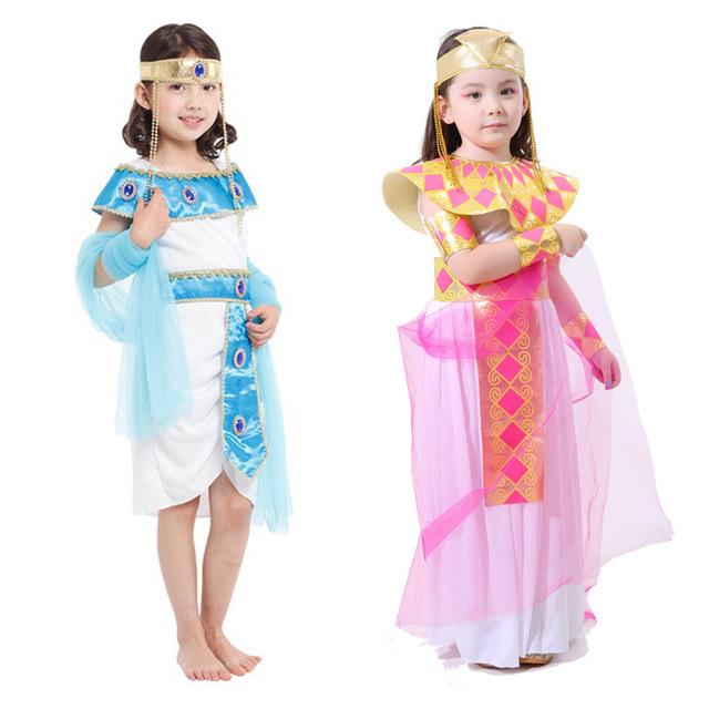 Девочки в костюмах феи на Хэллоуин