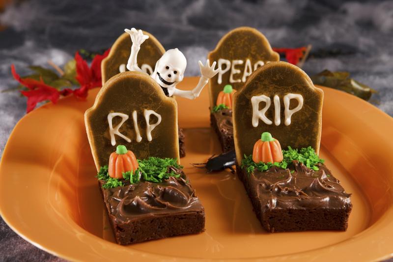 35 жутких тортов и десертов, которые будут кстати на Хэллоуин-вечеринке