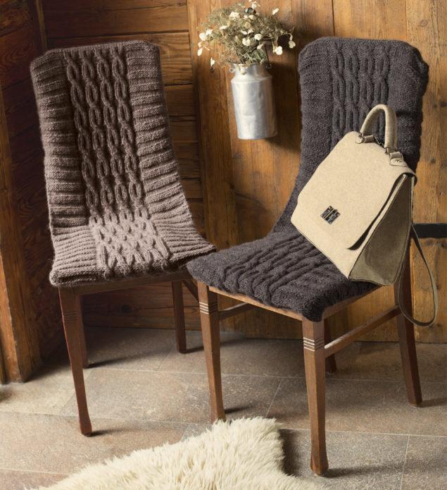 Вязаные чехлы на стульях