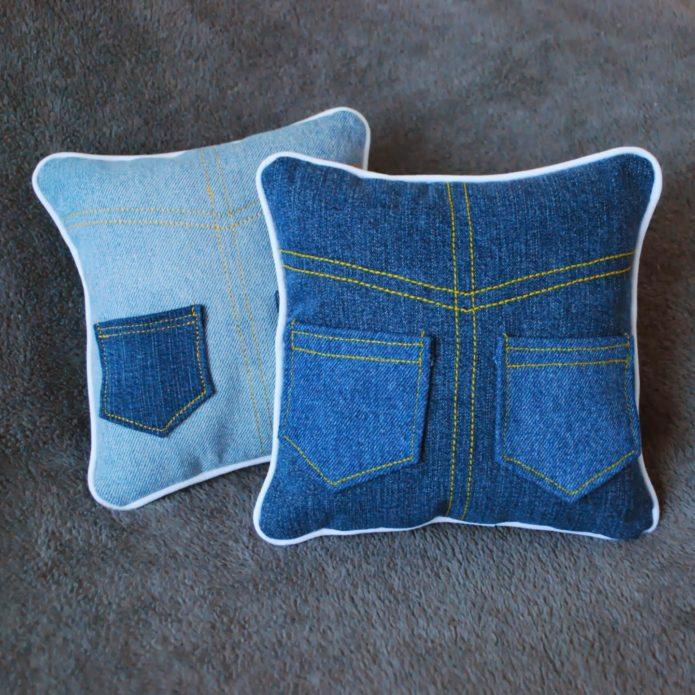 Подушки из джинсовой ткани