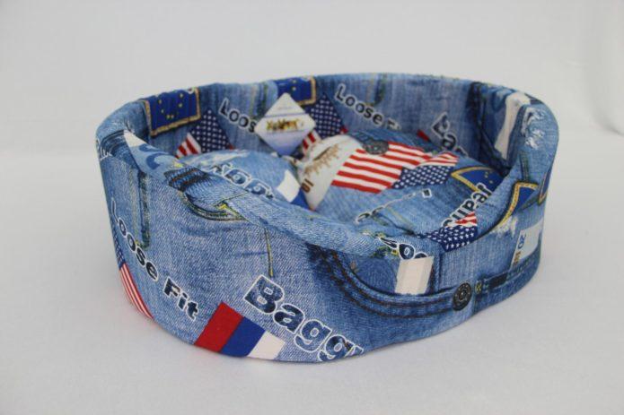 Лежанка из джинсовой ткани