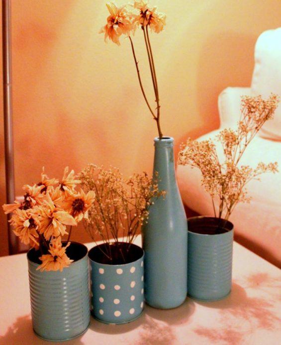 Декоративные вазы из жестяных банок