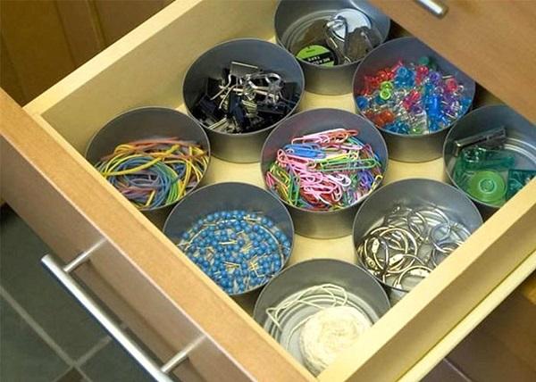 Органайзеры из жестяных банок для хранения мелочей