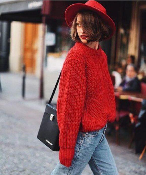 Кроп-свитер красного цвета