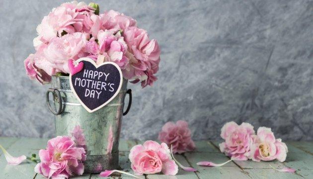 25 необычных подарков на День матери, которые можно смастерить своими руками