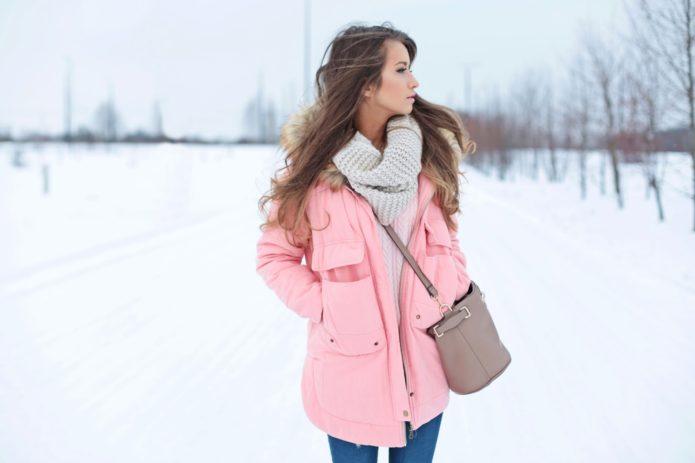 Модный и практичный вязаный шарф для прогулок
