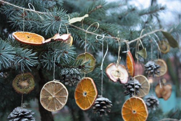 Ёлочные гирлянды из сухих фруктов