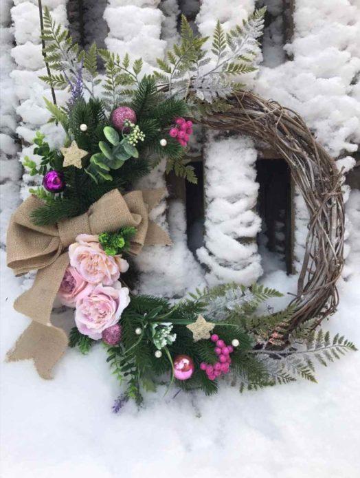 Цветы и листья для декора новогоднего венка