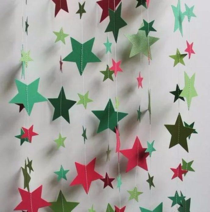 Гирлянда из бумажных звёзд