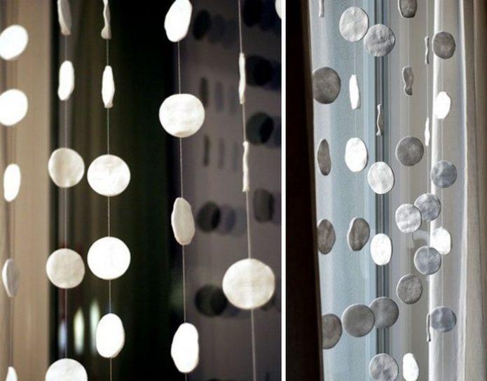 Гирлянда из ватных дисков