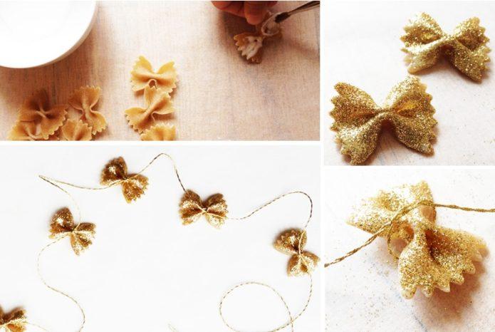 Золотые макаронные гирлянды