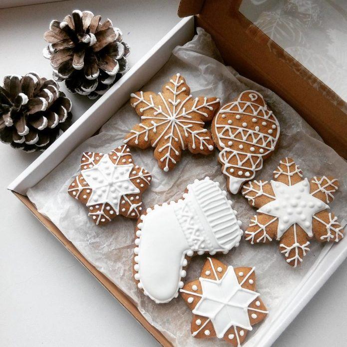 Имбирное печенье в подарочной коробке