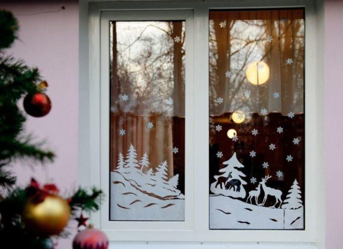 Новогодний пейзаж на окнах