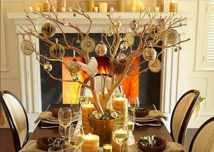 Природные материалы в новогоднем убранстве комнаты