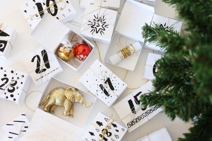 Адвент-календарь из подарков-сюрпризов